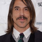 Anthony Kiedis December 2009- Current hairstyle