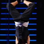 kiedis-handstand