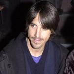 Anthony-Kiedis-dufflecoat