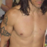 tired looking anthony kiedis no clothes