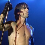 naked chest anthony kiedis blue background live