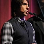 kiedis-black-mic