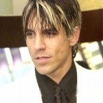 kiedis-blond-n-black