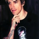kiedis-bowie-shirt