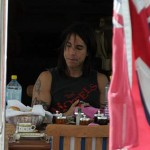 kiedis-eating-flag