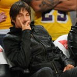 Anthony Kiedis Lakers game LA snoozing