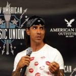 Kiedis-American-Eagle-Outfitters-6