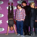 RHCP-Flea-handstand