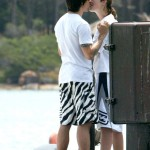 Anthony Kiedis Rota Hans kissing