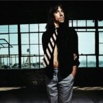 kiedis-blowing-tie