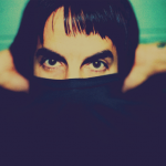 kiedis-eyes-showing-jumper