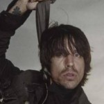kiedis-hanging-scarf