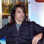 kiedis-headphones-sitting