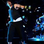 kiedis-live-blue-rings