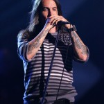 kiedis-live-stripey-top-5