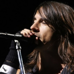 kiedis-lost-in-song-live