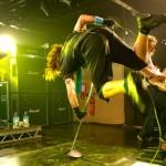 kiedis-mid-yellow-jump