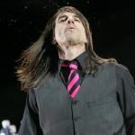kiedis-pink-tie-6