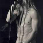 kiedis-slipping-shirts