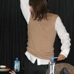 kiedis-smelling-airpit