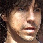 kiedis-sue-close-up