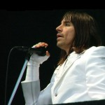 kiedis-white-jacket-live