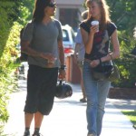 kiedis-woman-coffee-stroll