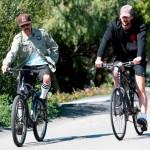 Adrien-Brody-Anthony-Kiedis-3-bikes