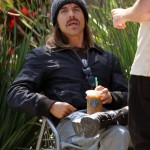 Anthony Kiedis 2010 starbucks frappe