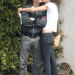 anthony-kiedis-heather-christie-snuggle-5