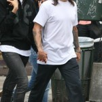 anthony-kiedis-heather-christie-walking-leopard-cap-2