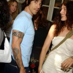 Anthony-Kiedis-Party-woman