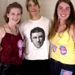 anthony-fan-girls