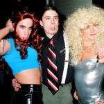 Dave Grohl Anthony Kiedis Flea Red Hot Chili Peppers drag