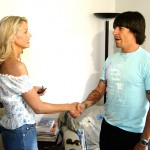 VH1 WINNER GREETS RED HOT CHILI PEPPERS SINGER ANTHONY KIEDIS AT HER HOME IN LAS VEGAS