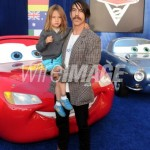 anthony kiedis hugging child everly bear