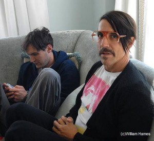 anthony kiedis red glasses