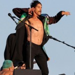 venice-beach-anthony-kiedis-dancing