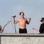 venice-beach-rhcp-rockin-out-3