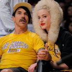 Anthony Kiedis lakers game with girlfriend