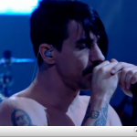 Later-Jools-Holland-Anthony-Kiedis-RHCP-November-2011-2.png