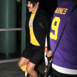 Lakers-25-January-Anthony-Kiedis-crutches-10