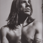 Zoo-magazine-Anthony-Kiedis-2006-9