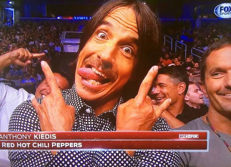 anthony-kiedis-UFC-Fox-Lawler-Brown