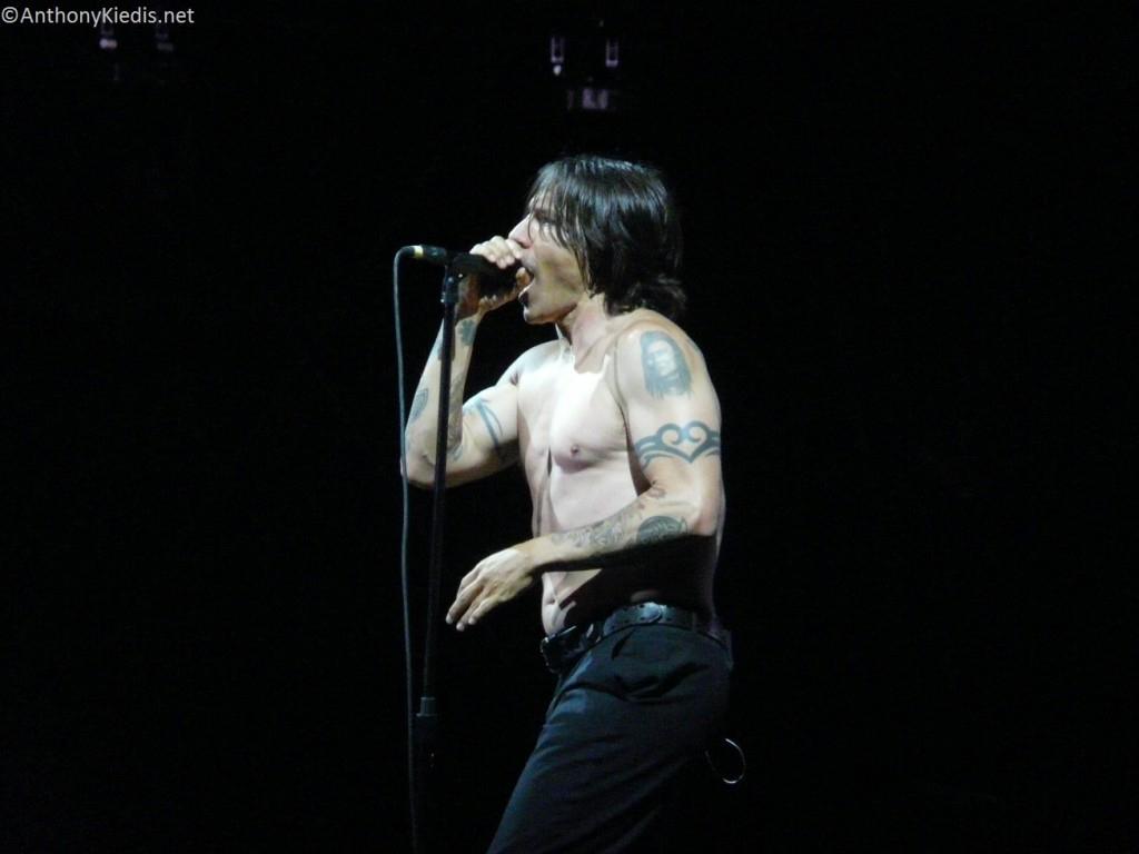 isle-of-wight-festival-June-2014-RHCP-anthony-kiedis-15