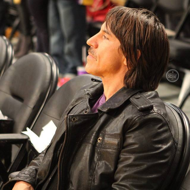 15-january-2015-anthony-kiedis-lakers-game