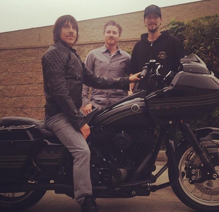 new-harley-davidson-motorbike-anthony-kiedis-2