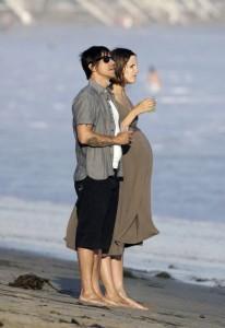 Anthony Kiedis and Heather Christie Walk On The Beach