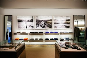 humanity-exhibition-no-8-berlin-anthony-kiedis-2